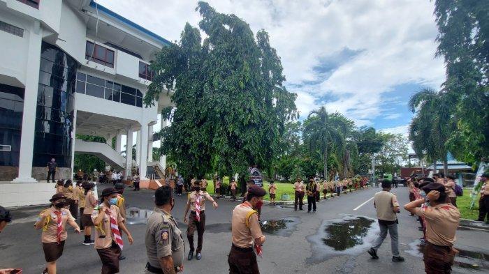Pemerintah Kota Bitung, Provinsi Sulawesi Utara (Sulut) menerapkan protokol Kesehatan ketat di sekitar Kantor Wali Kota Bitung di Jalan SH Sarundajang, Kamis (18/2/2021).