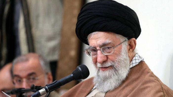 Trump-Khamenei Saling Ancam, Ceritakan Detail Pembunuhan Jenderal Qassem