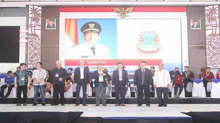 Meriahkan Manado Fiesta 2018! Walikota Vicky Lumentut Saksikan Lomba Paduan Suara Internasional