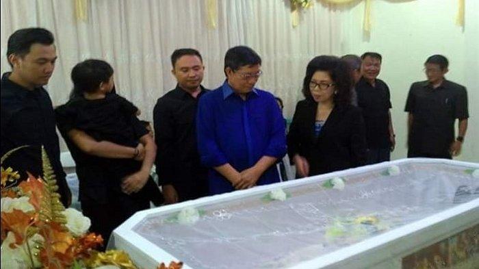Walikota Vicky Lumentut Hadiri Pemakaman Dosen UNIMA, Kuatkan Iman Keluarga Almarhum Boy Lombok