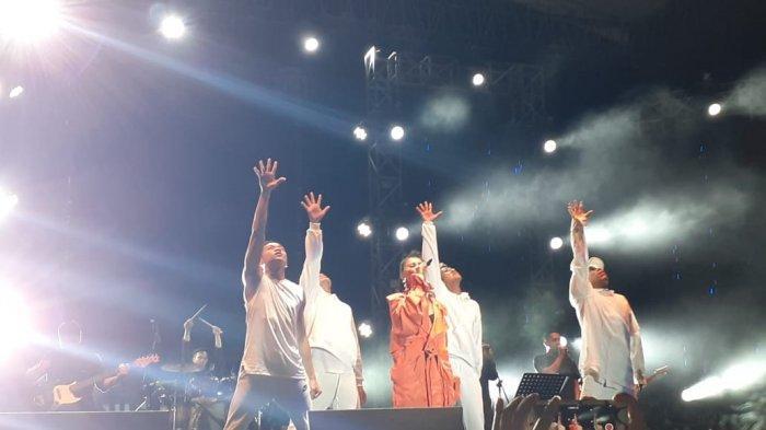 Agnez Mo Lantunkan 'Malam Kudus' dan 'Oh Holy Night' di Manado, Hipnotis Ribuan Agnetion