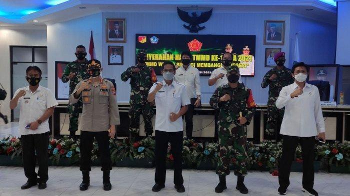 Dandim Bitung Letkol Benny Lesmana Tutup TMMD ke-111, Tentara Bangun Jalan 4.250 meter