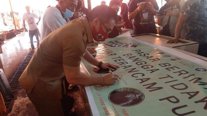 Pasar Beriman Tomohon Jadi yang Pertama Deklarasi Bangga Tidak Jual Satwa Liar Dilindungi