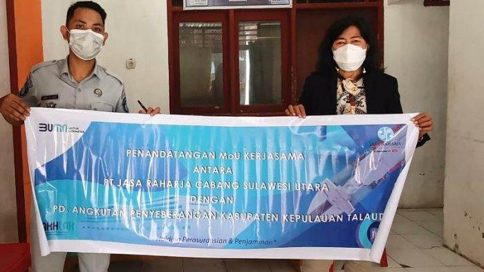 Penandatanganan MoU pemberian Perlindungan Asuransi Penumpang bagi masyarakat yang menumpangi kapal penyeberangan dari Likupang ke Talaud antara Jasa Raharja dan PD Angkutan Penyeberangan Kabupaten Kepulauan Talaud.