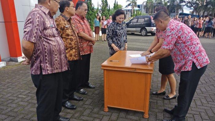 PNS Setdakab Minahasa Tanda Tangani Pakta Integritas
