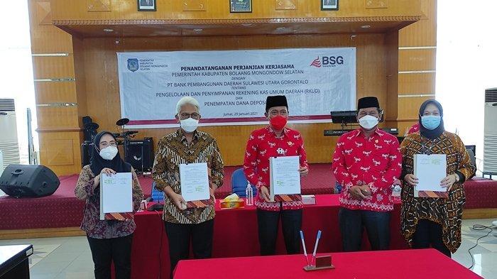 Penandatanganan PKS Pengelolaan RKUD dan Deposito Pemkab Bolsel ke Bank SulutGo di gedung BSG lantai lima, Jumat (29/01/2021).