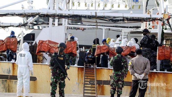 KRONOLOGI Penangkapan 2 Kapal China, Ditemukan Jenazah ABK WNI, Petugas Curiga Ada Tindak Kekerasan