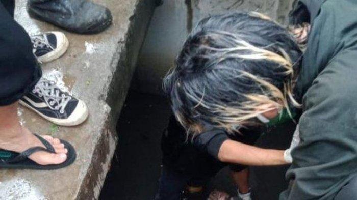 Pencuri Kabel Tewas Tersetrum di Gardu Listrik, Terpental Masuk Selokan, Warga Heboh Lihat Korban