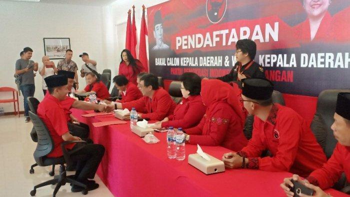 pendaftaran-calon-kepala-daerah-di-dpd-pdip-sulawesi-utara-2.jpg
