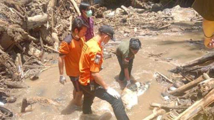 Sosok Mayat Ditemukan di Sungai Abuang Wioi Mitra, Diduga Korban Banjir Bandang