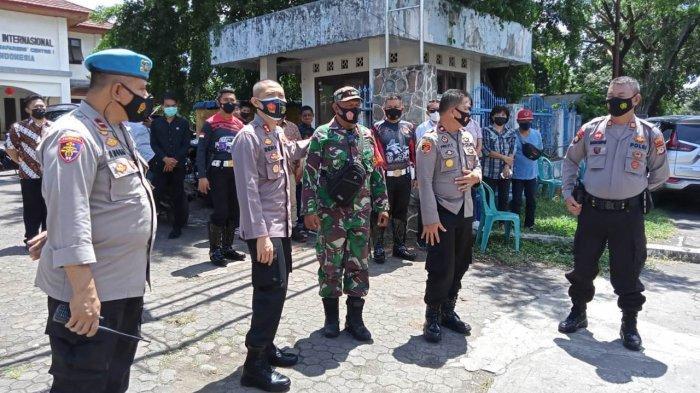 Ratusan Personil Gabungan Lakukan Pengamanan Gereja di Kota Bitung