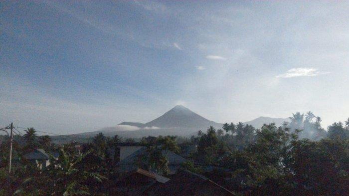 Pengamatan Aktivitas Gunung Soputan Hari Ini, Ada Asap Kawah Tinggi 50 Meter di Puncak