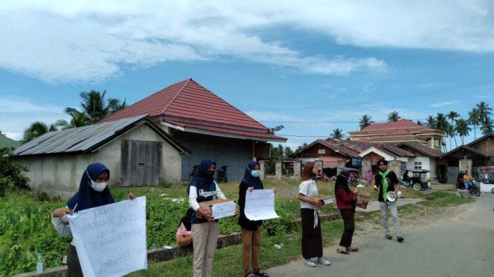 Penggalangan dana di Pasar Pinolosian, Kecamatan Pinolosian, Selasa (13/4/2021). Dana ini untuk disumbangkan kepada korban bencana alam di NTT dan NTB.