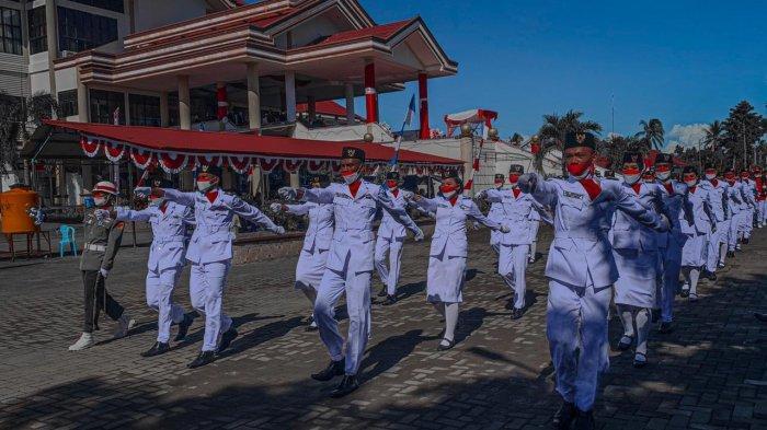 36 Paskibraka Bolmong Sukses Kibarkan Bendera Merah Putih