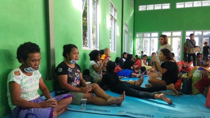 Lokasi Pengungsian Guguran Lava Gunung karangetang  di Shelter Paseng Masih Kurang Tempat Tidur