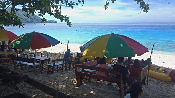 Pengunjung Membludak di Pantai Pulisan dan Paal, Pendapatan dari Karcis Sehari Rp 20 Juta