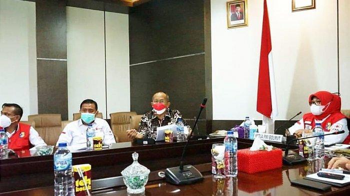 PMI Bolmut Ikuti Rakor Penanggulangan Covid-19 di Sulut, Bagikan Masker hingga Donor Darah