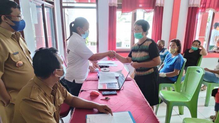 34 KK di Kampung Kinali Sitaro Terima BLT Dandes