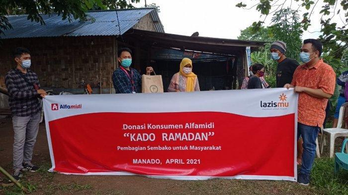 Salurkan Donasi Konsumen, AlfamidiSebar Kado Ramadan 12.175 Paket Bahan Pokok