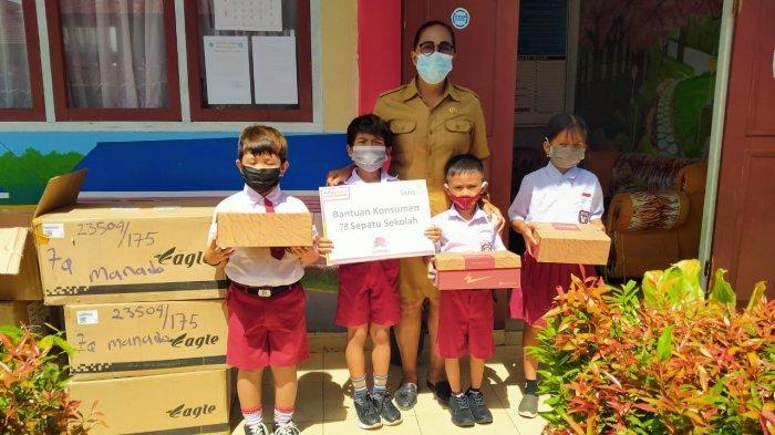 Penyaluran Donasi Konsumen di SDN Inpres Karagesan Minut, Anti Ucapkan Terima Kasih ke Alfamart