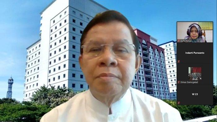Penyampaian materi Prof. Dr. Fasli Jalal, Ph.D