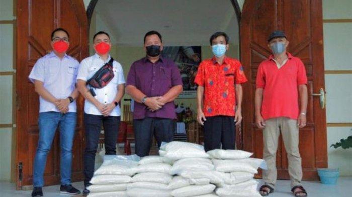 Penyerahan Bantuan di Desa Kamangta BM-OD dab PT VIF Manado