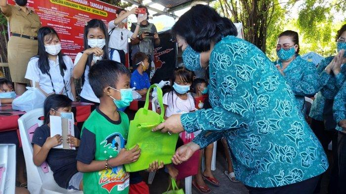 Puluhan Anak-Anak Penyintas Kebakaran Pasar Tua Tersenyum Gembira Ikut Lomba Mewarnai