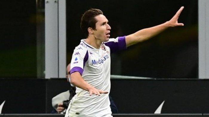 Penyerang Fiorentina, Federico Chiesa, saat bermain di Liga Italia 2019-2020.