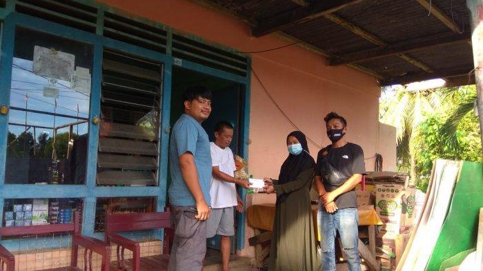 Peredam Salurkan Bantuan untuk Dua Warga Bolsel yang Alami Musibah Kebakaran