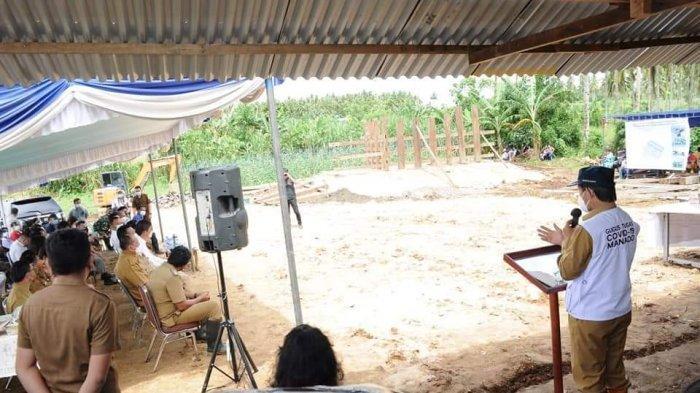 Vicky Lumentut Letakan Batu Pertama Pembangunan Rumah Tongkonan