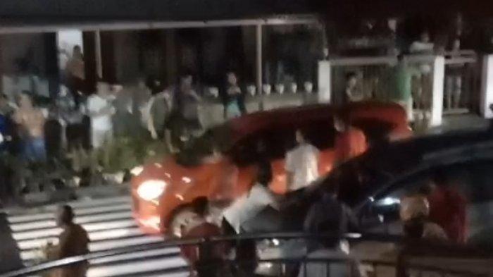 Video Wanita Mengadang Mobil di Tomohon Viral di Medsos, Kapolres: Sejauh Ini Belum Ada Laporan