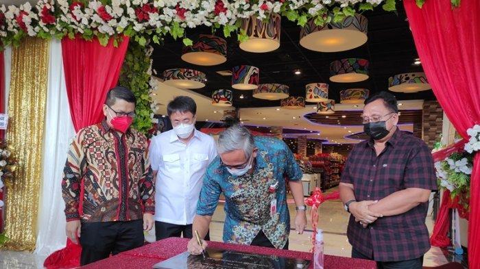 Peresmian FreshMart Lifestyle Market Paniki