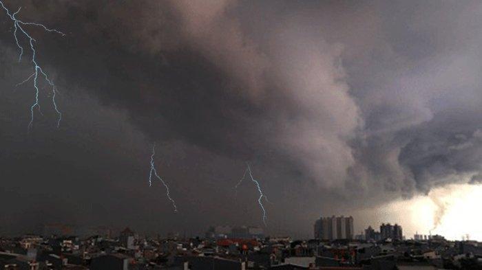 Peringatan Dini Cuaca Besok Senin 1 Maret 2021, BMKG: DKI Jakarta Diguyur Hujan dan Angin Kencang
