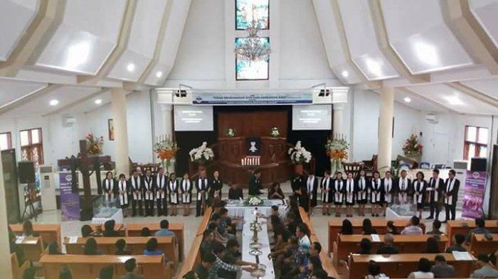 Ratusan Jemaat Hadiri Perjamuan Kudus di GMIM Eben Heazer Bumber