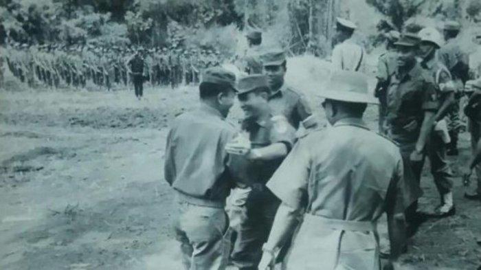 4 April 1961, Permesta Turun Gunung di Desa Malenos, Amurang