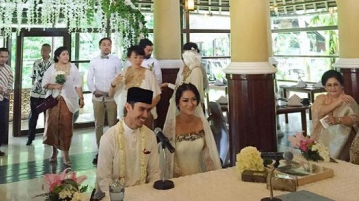 Fakta di Balik Pernikahan Bintang Film Cantik Prisia Nasution