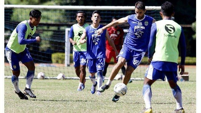 Prediksi Susunan Pemain - Persib Bandung akan Duetkan Rene Mihelic dengan Artur Gevorkyan
