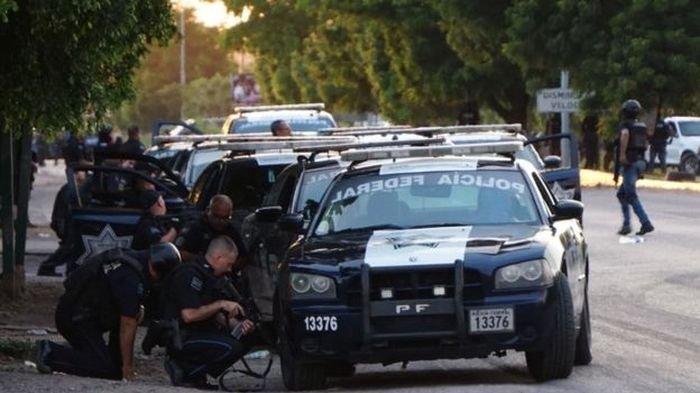 Meksiko Menjelma Medan Perang Lantaran Penangkapan Anak Raja Narkoba, Polisi Mundur dan Menyerah