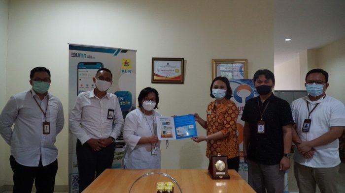 PLN Unit Induk Wilayah Suluttenggo dibawah pimpinan General Manager Leo Basuki melakukan pertemuan bersama Yayasan Lembaga Konsumen Indonesia (YLKI) Sulawesi Utara dan disambut langsung oleh Ketua YLKI Sulut Aldy Lumingkewas.