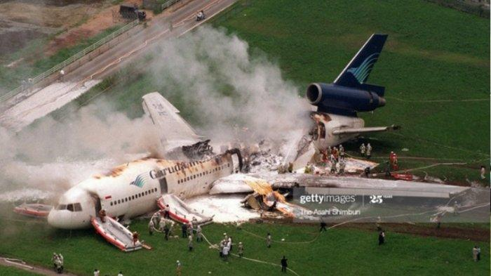 Pesawat Garuda Indonesia Terbakar tahun 2007.