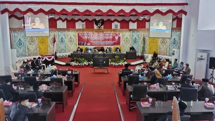 Peserta Sidang Paripurna Istimewa DPRD Kotamobagu Pakai Masker, Ogah Pakai Face Shield