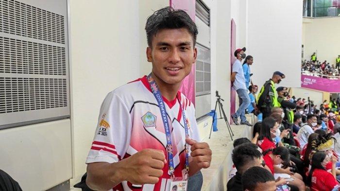 Satu Lagi Medali dari Tinju untuk Sulut di PON Papua, Farrand Papendang Menang TKO Atas Petinju Riau
