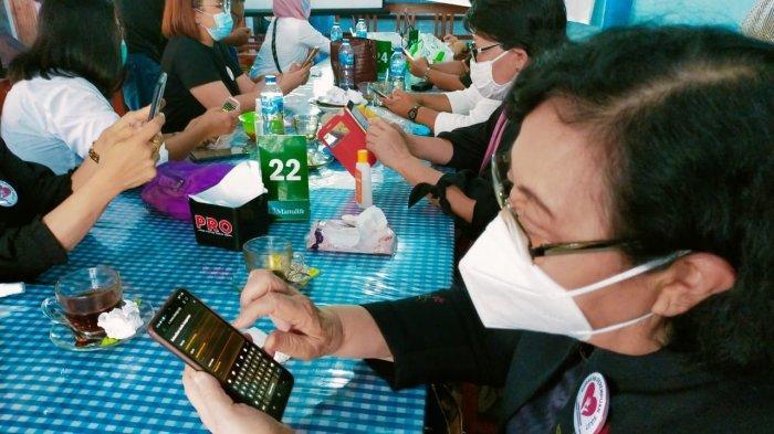 Petisi 'Gerakan Perempuan Sulawesi Utara Lawan Kekerasan Terhadap Perempuan Dan Anak' yang ditujukan kepada Ketua Umum DPP Partai Golkar, Ketua DPRD Provinsi Sulawesi Utara untuk segera berhentikan James Arthur Kojongian (JAK)  dari  jabatan Anggota DPRD Provinsi Sulut terus menuai dukungan dan tanda tangan.