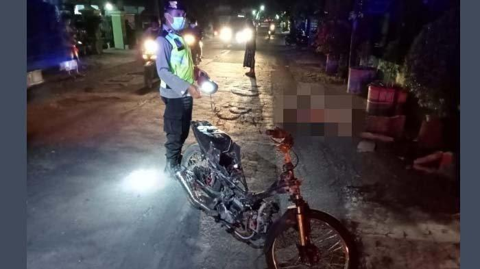 Kecelakaan Maut Pukul 21.00 WIB, Seorang Pelajar Tewas, Korban Menghantam Pot Bunga di Tepi Jalan