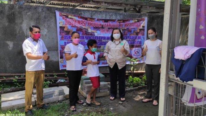 Tim PKM Politeknik Manado Gelar Diseminasi Produk Teknologi Paving Block Berpori di Pineleng
