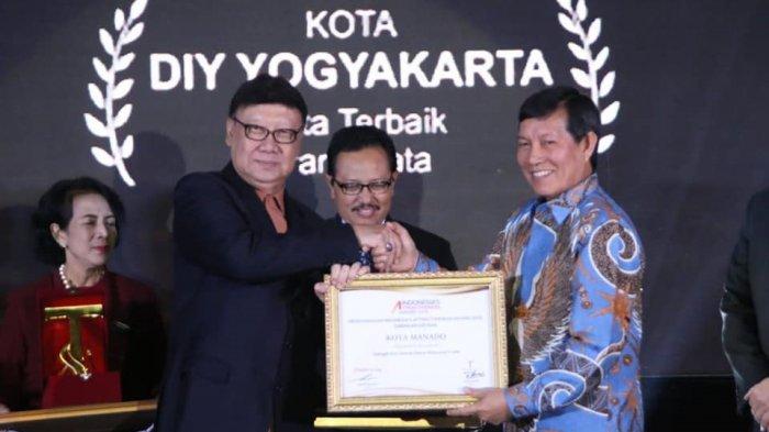 Vicky Kerja Keras Meningkatkan Pelayanan pada Masyarakat, Manado Dapat Penghargaan Pelayan Publik