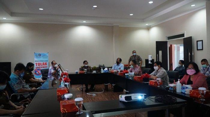 PLN Unit Induk Wilayah Sulawesi Utara, Tengah, dan Gorontalo menerima kunjungan dari Kejaksaan Tinggi Sulawesi Utara dalam rangkaian sosialisasi SaBer (Sapu Bersih) Pungli, Jumat (11/06/2021) lalu.