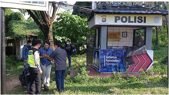 Pos Lantas di Simpang Jalan Angkatan 66 Palembang, tempat kejadian perkara (TKP) polisi ditusuk orang tak dikenal, Jumat (4/6/2021).