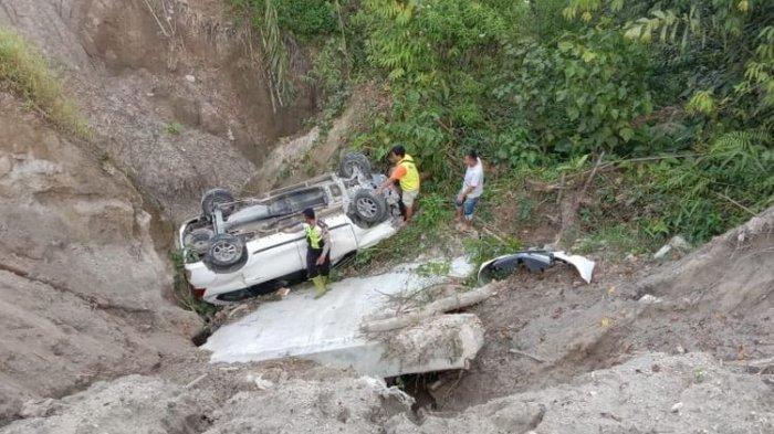 Mantan Kades Tewas Terseret Banjir Saat Pindahkan Mobil yang Diparkir di Tengah Sungai