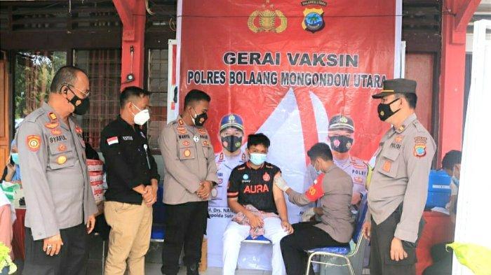Polres Bolmut Gelar Vaksinasi Covid-19, Sasar Siswa Siswi SMA Negeri 1 Bolangitang